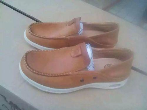 41码牛皮鞋 价格:150元/对
