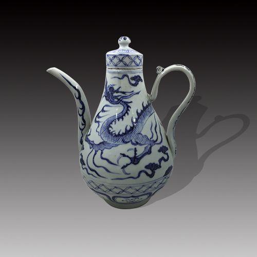 绘画充分发挥蓝白的艺术效果,有白地青花,蓝地白花或青花线描为地几种