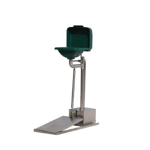 BTL83型立式自动排空防冻ABS翻盖洗眼器厂家
