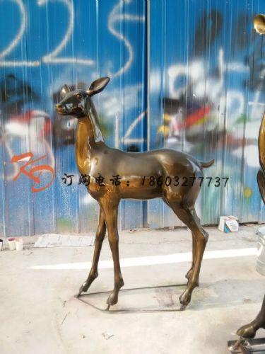 上海康大雕塑厂家供应铜鹿 公园铜鹿摆件