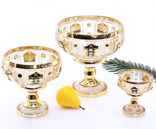 各种玻璃杯、花瓶、果盆、酒杯等