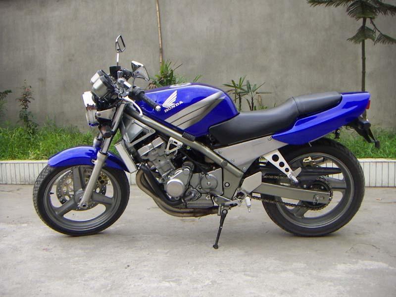 雅马哈铃木盗匪-250 摩托车 价格:2600元/台