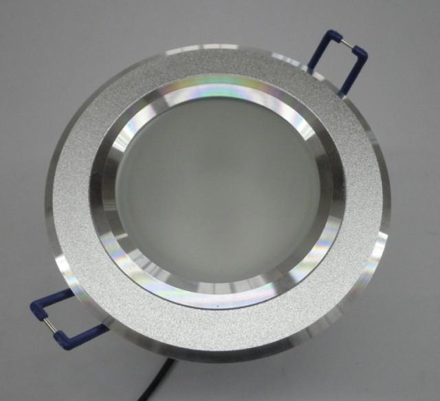 功率:3W,4W,5W,6W LED类型:3014贴片光源 LED驱动方式:外置恒流电源 电器安全等级:A级 环境温度:-20+50 光束角:90120140。 LED颜色:红,绿,蓝,黄,白,暖白,正白,冷白等 灯具寿命:5-10万小时 外观颜色:铝本色. 产品特点: 材质工艺:采用导热性高的拉伸铝合金材质,外观高档精美.