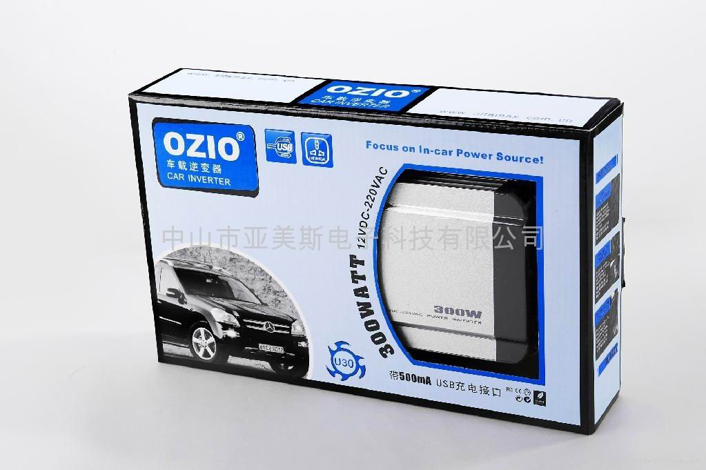 【技术参数】 输出电压:220V/50Hz 输入电压:11-15V 输出功率:300W 输出波形:MODIFIED SINE USB INTERFACE USB接口:5V DC ,500MA 产品认证:CE、ROHS、FCC、E-MARK 【产品特性】 OZIO(奥舒尔)自主设计与研发的汽车电源产品有:车载电源逆变器、车载充电器、车载点烟器、汽车应急电源、汽车冰箱等产品。产品拥有十多个专利项目,并相继通过了CE, RoHS, FCC, E-MAKE等国际认证。 1、持续功率300W; 2、全新专利设计,金
