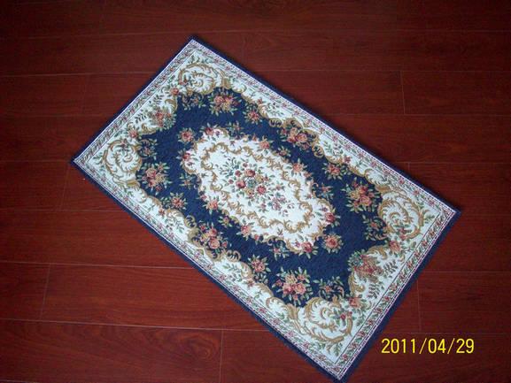提花地毯采用雪尼尔材质,配合欧式古典风格,机织提花!