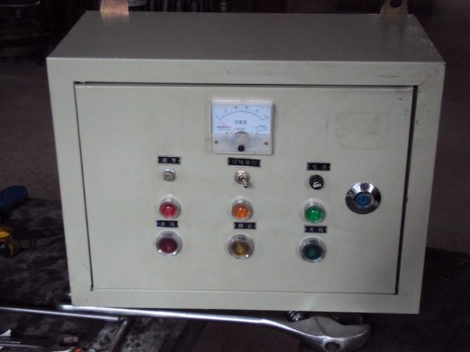 再按照控制箱电气原理图和电动装置接线图接线,经检查无误后,接通电