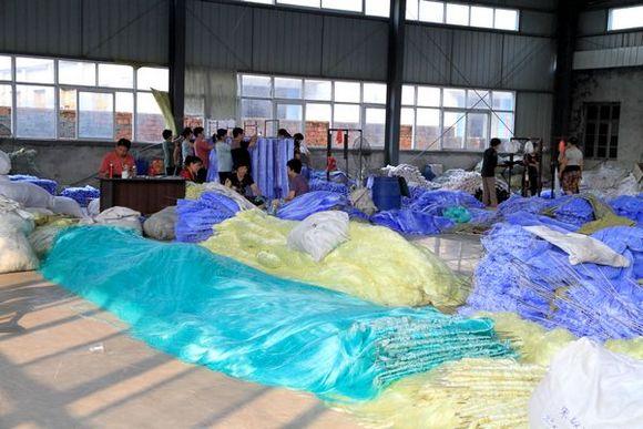 Рыболовные фабрики в китае