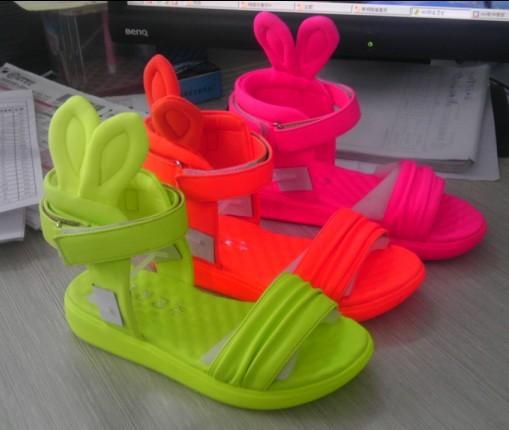 千千公主/515童凉鞋26#-37# 价格:35元/双