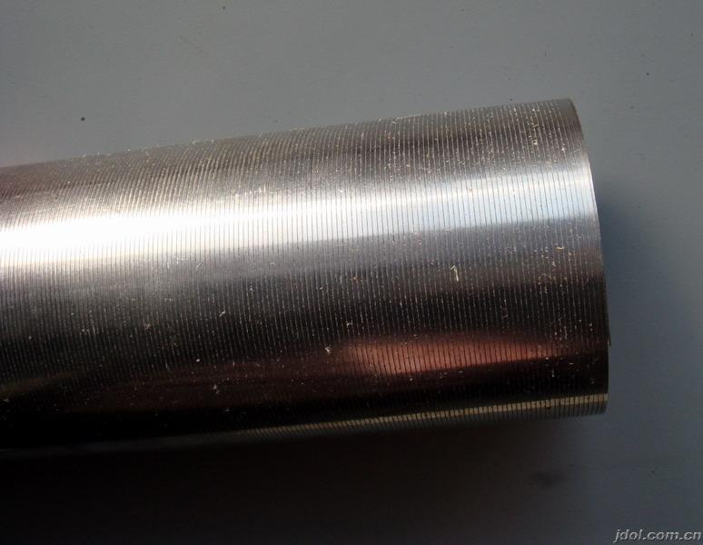 制骨架缠丝管说明:  井用滤水管(防砂筛管),采用v型绕丝结构,过滤面积