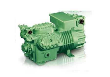 螺杆压缩机安装效果可以和半封闭活塞式压缩机相