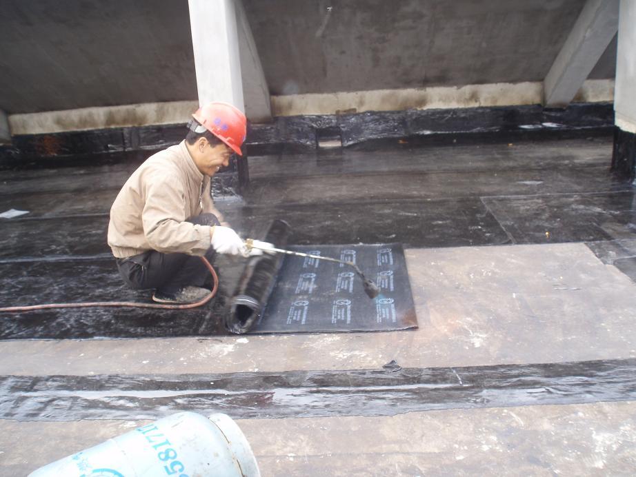 珠海房屋补漏公司珠海裂缝修补吉大伸缩缝漏水堵漏