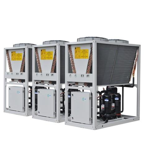 机组可以和室内精密空调末端及水泵,冷却塔联动,无需逐级开机,可以