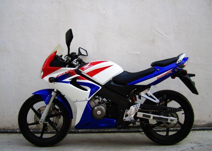 cbr125rr本田摩托车 1500元 价格:1500元/辆