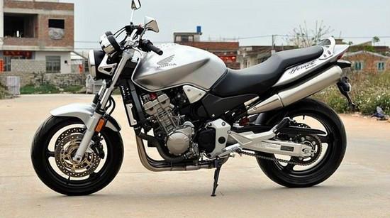 本田cb900本田cb900大黄蜂摩托车 价格:3000元/辆