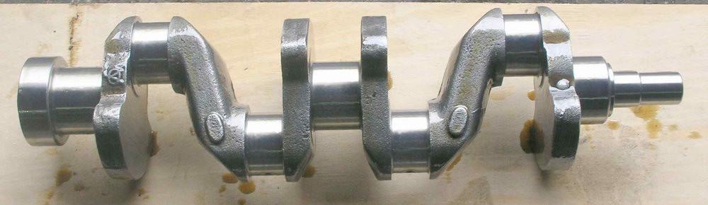 三缸发动曲轴结构