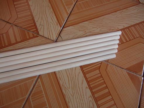 结合东北三省桦木,柞木等硬杂木资源为广大客户提供圆木棒,旗杆,家具